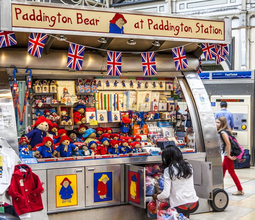 Na stacji Paddington jest mnóstwo misiów do kupienia! /123RF/PICSEL