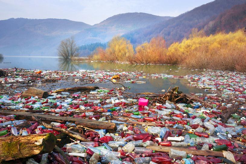 Na świecie każdego roku produkuje się ponad 300 mln ton plastiku /123RF/PICSEL