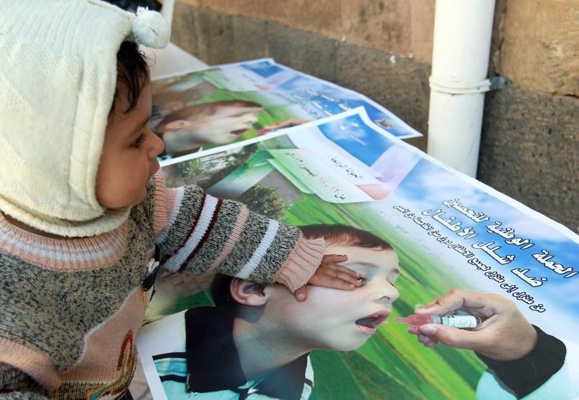Na świecie znów pojawiają się ogniska polio /AFP