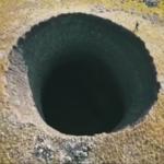 Na Syberii pojawił się gigantyczny krater po eksplozji metanu
