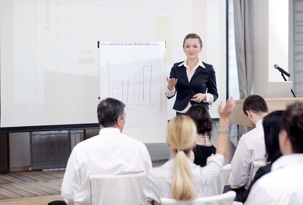 Na szkolenia biznesowe przedsiębiorca może wysyłać również swoich pracowników /©123RF/PICSEL