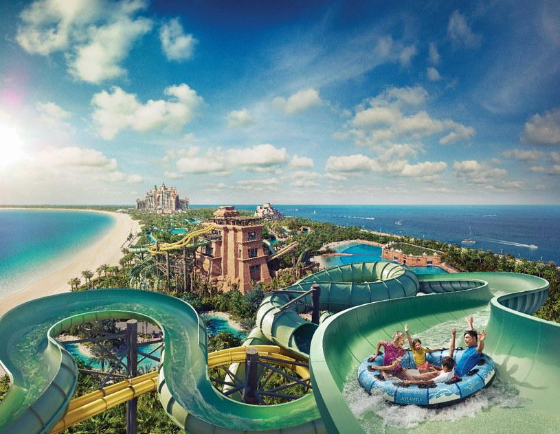 Na sztucznie usypanej wyspie Palma Jumeirah znajduję się największy park wodny w Dubaju /materiały prasowe