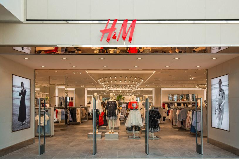 Na szwedzką firmę H&M spadły retorsje za rezygnację z bawełny z Sinciangu /Informacja prasowa