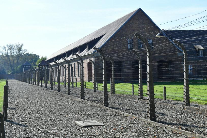 Na terenie byłego obozu pojawiły się napisy o charakterze m.in. antysemickim. /Artur Barbarowski /East News