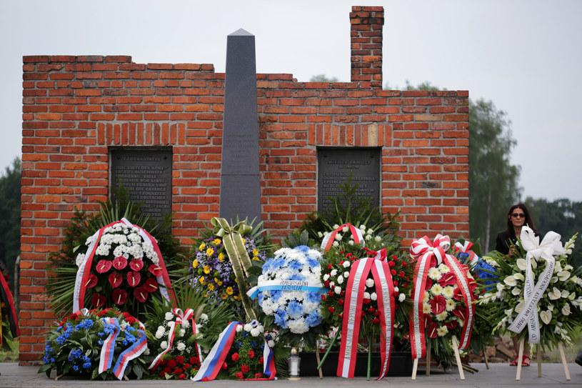 Na terenie KL Auschwitz-Birkenau złożono liczne wieńce /Jarek Praszkiewicz /FORUM