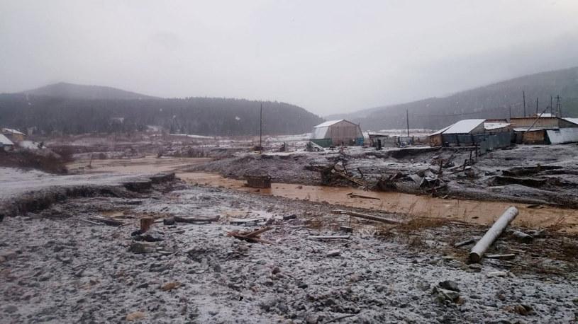 Na terenie kopalni złota w Kraju Krasnojarskim przerwana została tama. Spowodowało to śmierć przynajmniej 13 osób. /Xinhua News/East News /East News