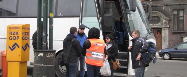 Na tory nie wyjechało ponad 130 pociągów. W zamian pasażerowie mogli korzystać z komunikacji zastępczej /Józef Polewka /RMF FM