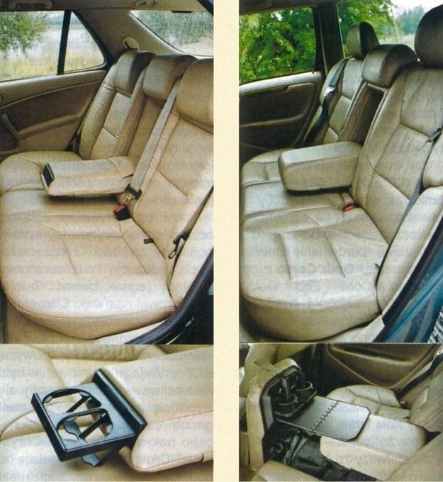 Na tylnej kanapie mimo trzech zagłówków i trzech trzypunktowych pasów bezpieczeństwa wygodnie podróżuje się tylko dwóm osobom, gdyż na środku znajduje się rozkładany podłokietnik. W Saabie zamontowano w nim wysuwane uchwyty na kubki, w środkowej części siedziska Volvo oprócz nich ukryto także niewielki stolik. /Motor