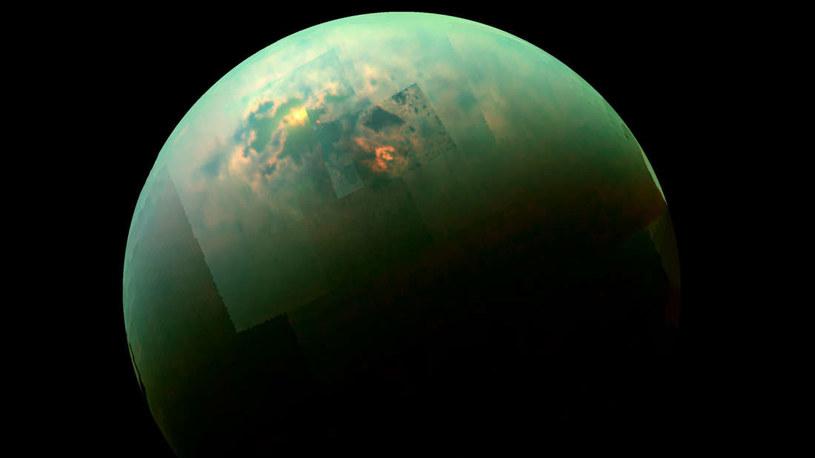 Na Tytanie odkryto lodowy korytarz - czy powstał w wyniku działalności wulkanicznej? /NASA