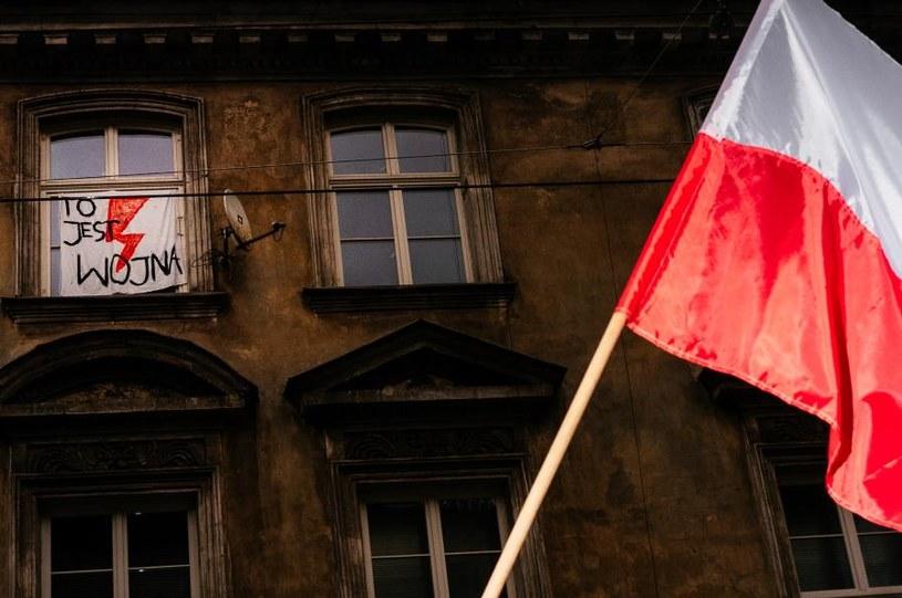 Na ulicach polskich miast znów odbywają się protesty Strajku Kobiet / Filip Radwanski /Agencja FORUM