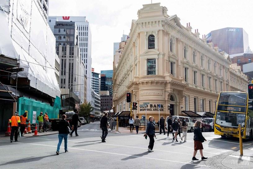 Na ulice Wellington, stolicy Nowej Zelandii, zaczyna wracać życie /AFP
