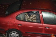 Na uzbrojeniu kostka brukowa i koktajle Mołotowa... Policja publikuje nowe zdjęcia po 11 listopada