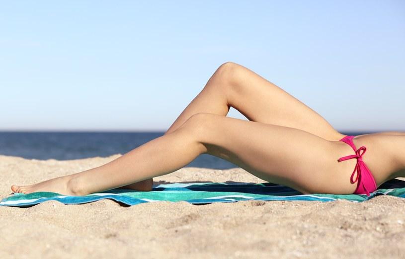 Na wakacjach najbezpieczniejsza będzie tradycyjna maszynka do golenia /123RF/PICSEL