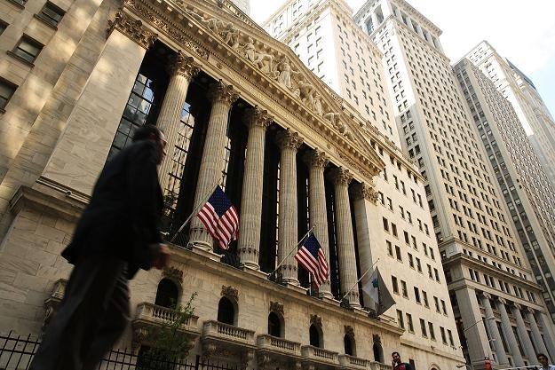 Na Wall Street spadki, ich liderem banki i spółki technologiczne /AFP