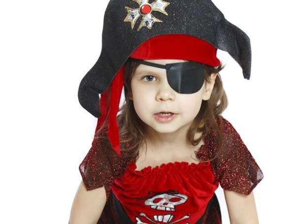 Na weselu mogą pojawić się mali piraci /123RF/PICSEL
