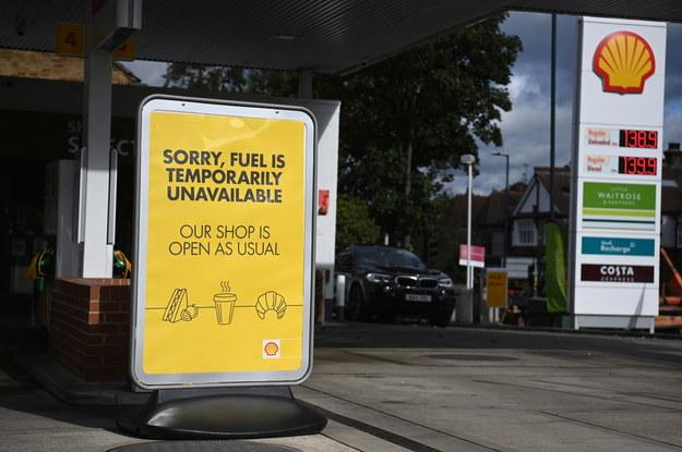 Na wielu stacjach benzynowych zabrakło paliwa /NEIL HALL /PAP/EPA