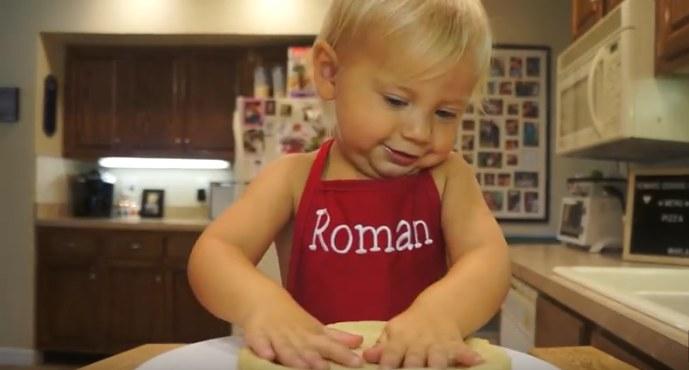 Na wizji Roman zachowuje się jak dziecko i w tym cały jego urok /YouTube