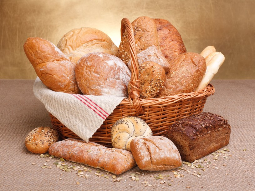 Na własną rękę nie wykluczaj glutenu z menu /123RF/PICSEL