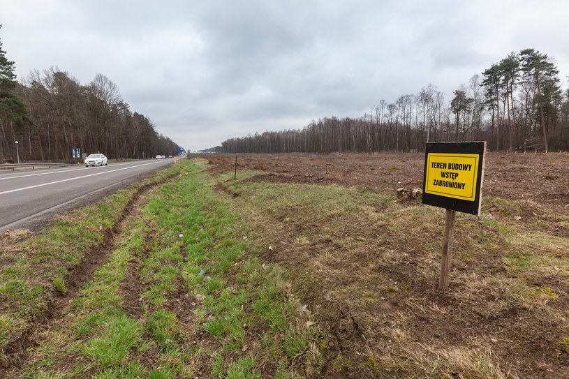 Na wschodzie będzie budowana droga S17, ale rząd nie chce łączyć obu tras /Arkadiusz Ziółek /East News