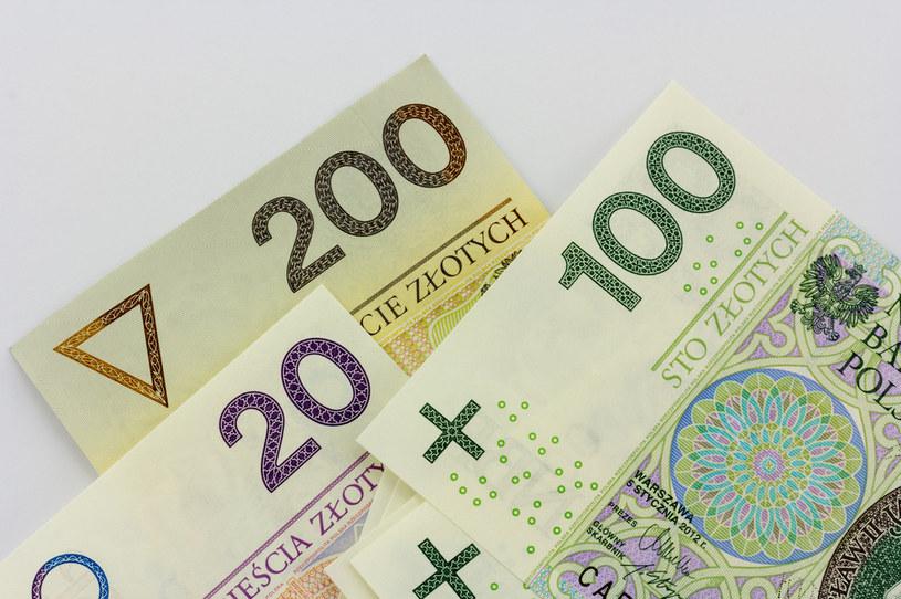 Na wypłatę trzynastych i czternastych emeryturę rząd zagwarantował ponad 23 mld zł /123RF/PICSEL