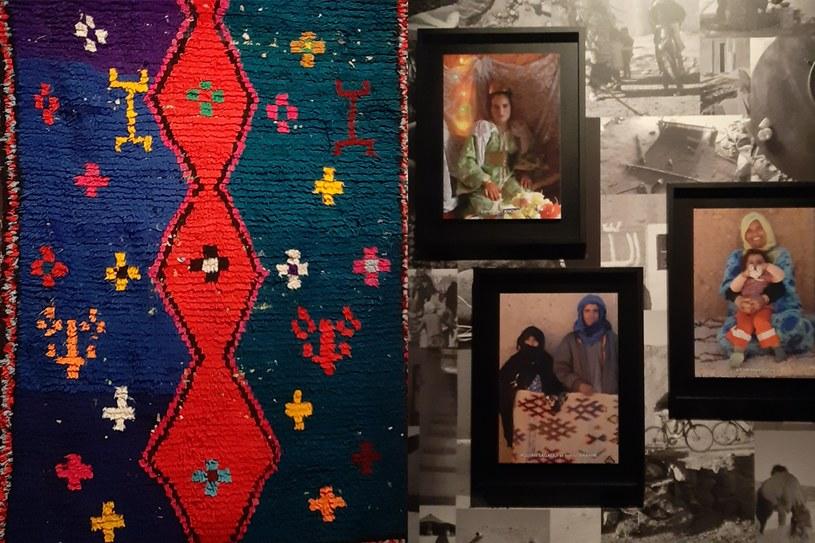 Na wystawie można zobaczyć dywany i artystki, które je stworzyły, fot. I. Grelowska /Styl.pl