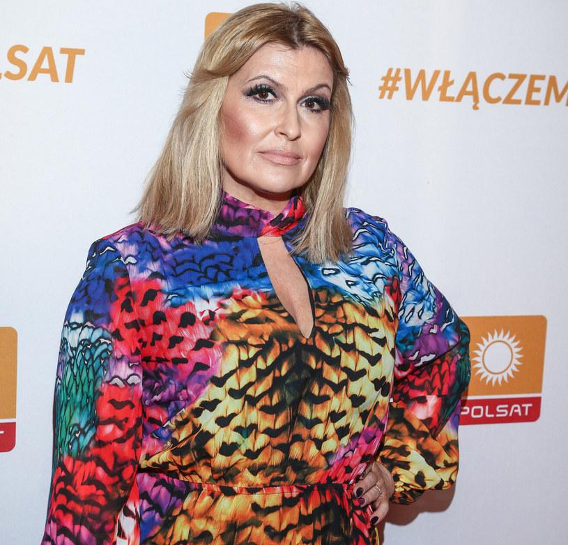 Na wytęsknione występy teatralne aktorka będzie musiała jeszcze długo czekać /Kamil Piklikieiwcz /East News