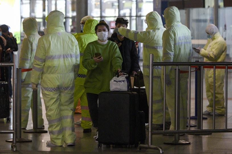 Na wywołane przez nowego koronawirusa zapalenie płuc zmarło dotychczas ponad 2,1 tys. osób /NOEL CELIS/ /AFP