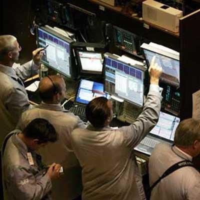 Na zamknięciu Dow Jones Industrial spadł o 1,14 proc. do 10 119,63 pkt /AFP