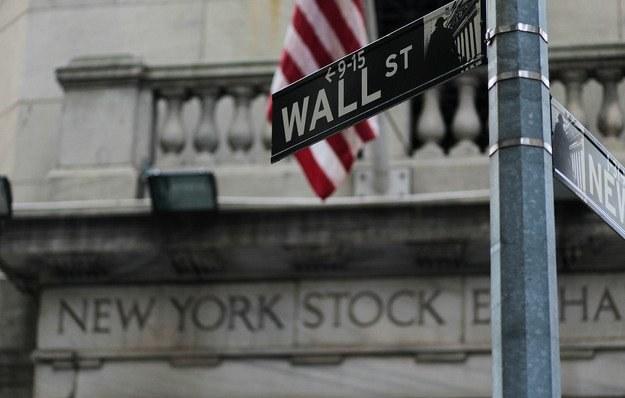 Na zamknięciu poniedziałkowej sesji Dow Jones Industrial wzrósł o 0,28 procent /AFP