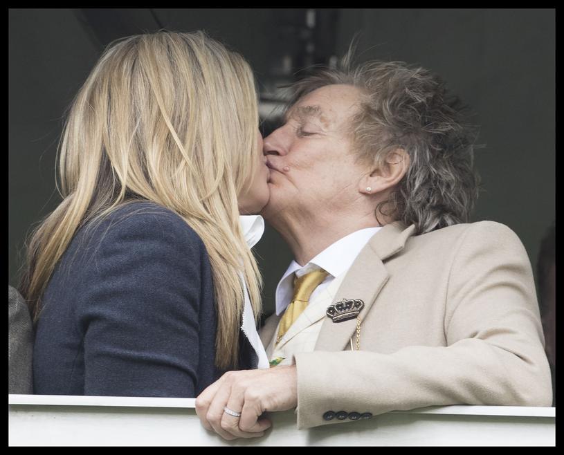 Na zawodach obecni byli m.in. Rod Stewart i Penny Lancaster/fot. Stephen Lock / i-Images /East News