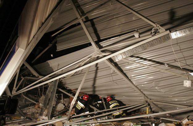 Na zdj. akcja ratunkowa na miejscu katastrofy budowlanej w Katowicach / Andrzej Grygiel    /PAP