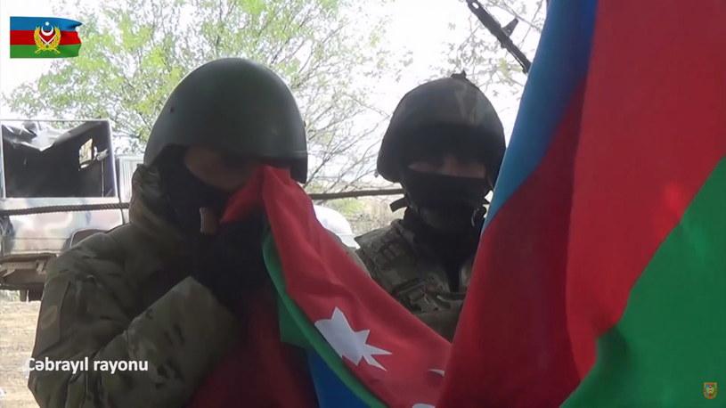Na zdj. azerbejdżańscy żołnierze /AZERBAIJAN DEFENCE MINISTRY HANDOUT /PAP/EPA