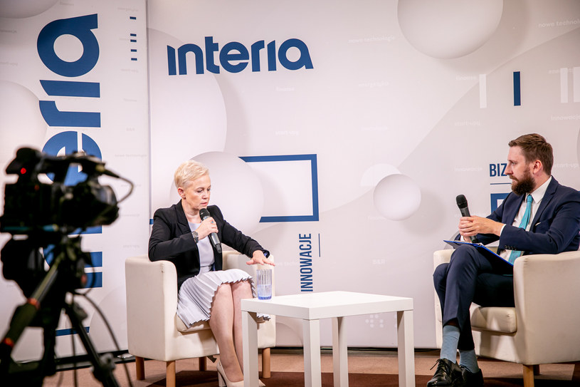 Na zdj. Beata Daszyńska-Muzyczka, prezes BGK oraz Bartosz Bednarz, Interia. Fot. Ireneusz Rek /INTERIA.PL