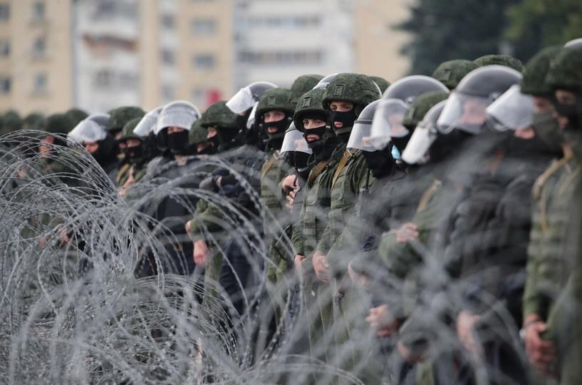 Na zdj. białoruscy żołnierze /TATYANA ZENKOVICH  /PAP/EPA