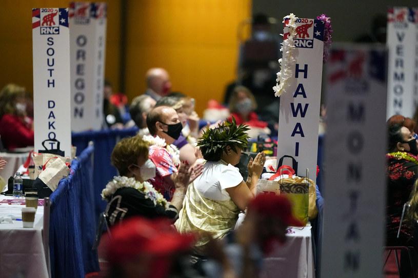 Na zdj. delegaci z Hawajów wspierający Donalda Trumpa /CHRIS CARLSON / POOL /AFP