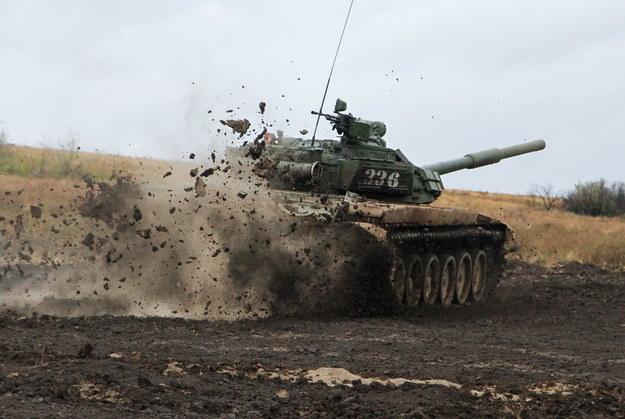 na zdj. Donbas. Trwające od 2014 roku walki między siłami ukraińskimi a wspieranymi przez Rosję rebeliantami na wschodzie Ukrainy pochłonęły - jak się ocenia - ponad 13 tys. ofiar śmiertelnych /ALEXANDER ERMOCHENKO /PAP/EPA