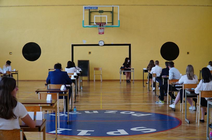 Na zdj. egzamin ósmoklasisty w jednej z poznańskich szkół /Waldemar Wylegalski/Polska Press/East News /East News