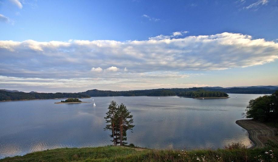 Na zdj. Jezioro Solińskie w okolicach Polańczyka /Jerzy Ochoński   /PAP