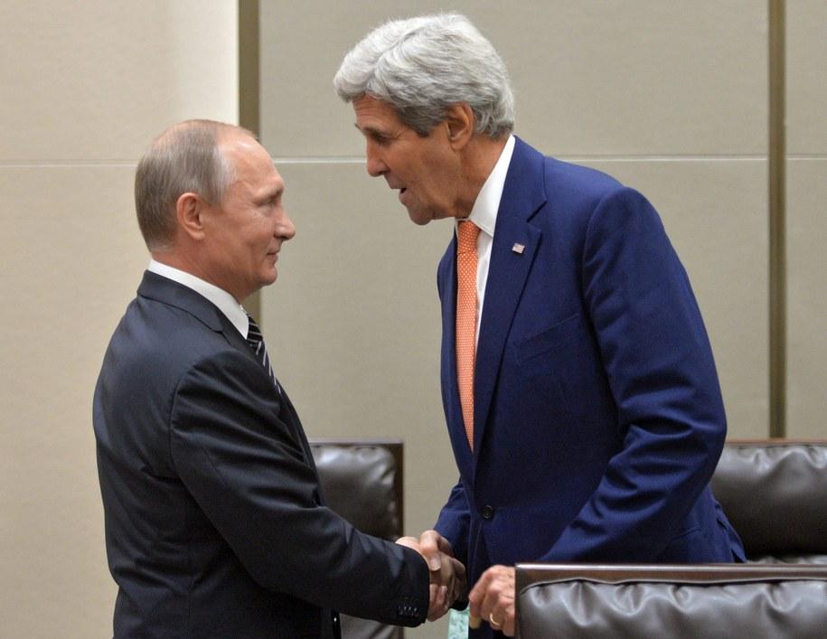 Na zdj. John Kerry i prezydent Rosji Władimir Putin /ALEXEI DRUZHININ/SPUTNIK/KREMLIN POOL /PAP/EPA