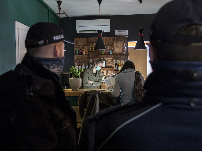 Na zdj. kawiarnia i restauracja Jaga w Zakopanem /Marek M Berezowski/REPORTER /Reporter