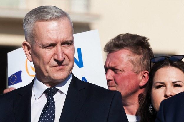 Na zdj.  poseł PO Robert Tyszkiewicz (L) /Marcin Onufryjuk /PAP