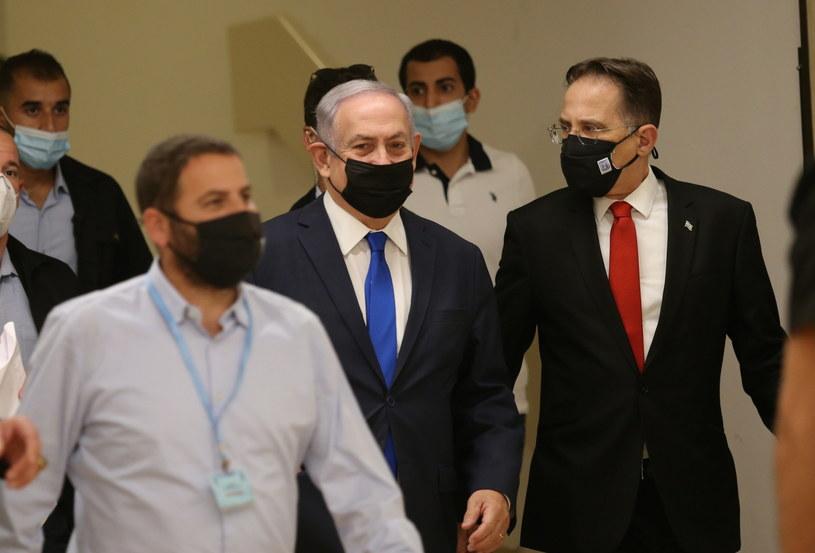 Na zdj. premier Benjamin Netanjahu przybywający do Knesetu /Alex Kolomoisky / POOL /PAP/EPA