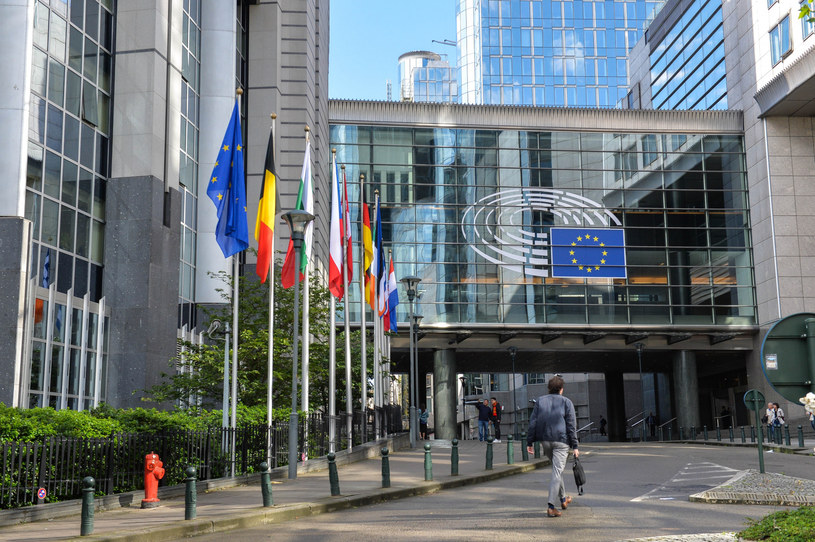 Na zdj. siedziba europarlamentu w Brukseli /GERARD/REPORTER /Reporter