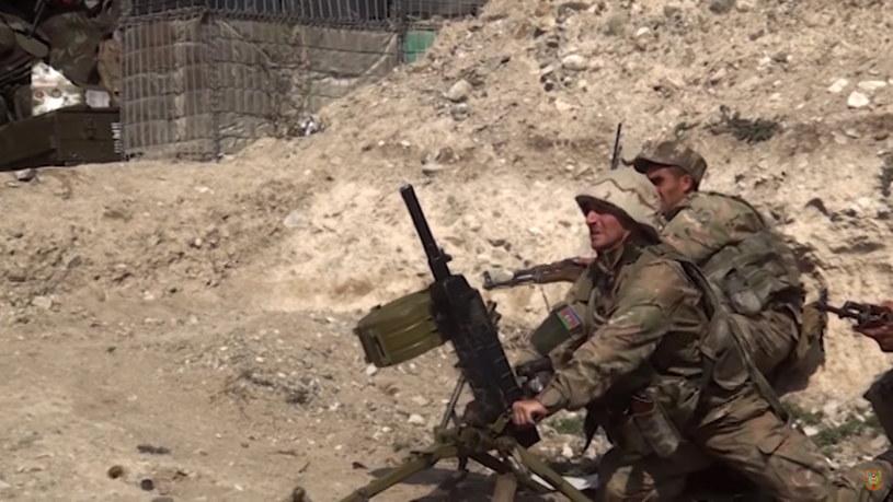 Na zdj. żołnierze armii Azerbejdżanu podczas operacji wojskowej /AZERBAIJAN DEFENCE MINISTRY HANDOUT /PAP/EPA