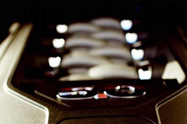 Na zdjęciu 5-litrowy silnik Forda Mustanga /
