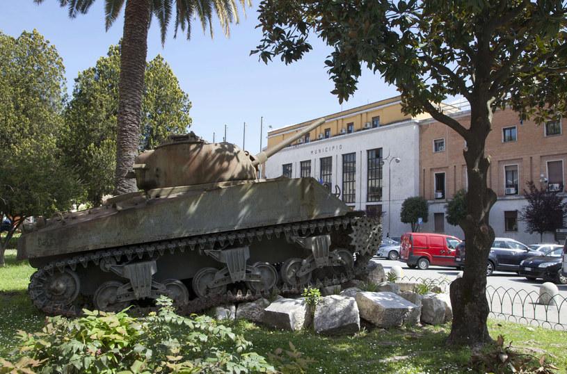 Na zdjęciu amerykański czołg upamiętniający bitwę w centrum Cassino /CARLO HERMANN /AFP