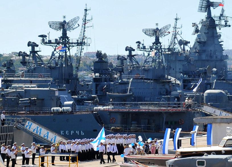 Na zdjęciu archiwalnym rosyjscy rosyjskie okręty w Sewastopolu /VIKTOR DRACHEV /AFP