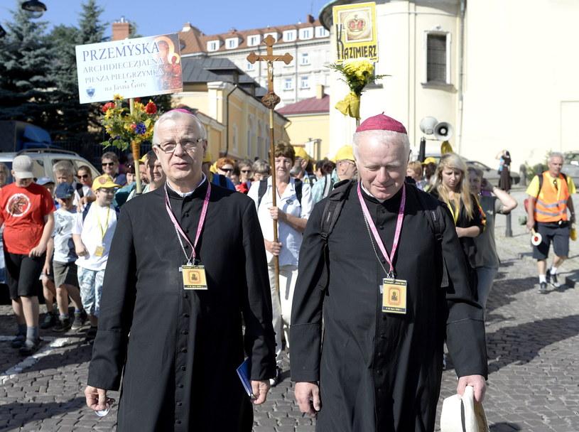 Na zdjęciu archiwalnym z 04.07.2013 r. metropolita przemyski arcybiskup Józef Michalik i biskup Adam Szal /Darek Delmanowicz /PAP