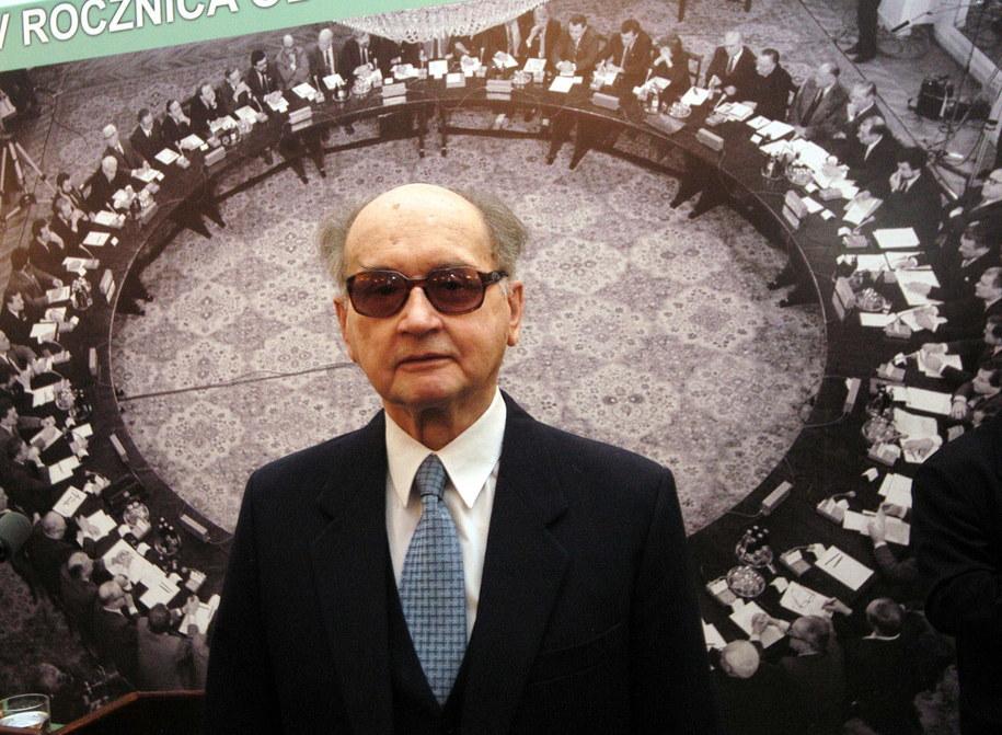 Na zdjęciu archiwalnym z 06.04.2004 r. gen. Wojciech Jaruzelski /Radek Piertuszka /PAP