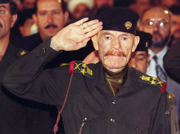 Na zdjęciu archiwalnym z 1999 roku wiceprzewodniczący irackiej Rady Dowództwa Rewolucyjnego i pomocnik ówczesnego prezydenta Iraku Saddama Husajna, Izzat Ibrahim ad-Duri /Izzat Ibrahim ad-Duri /PAP/EPA
